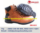 DR 601, Distributor Safety Shoes Casual Semi Boots MURAH