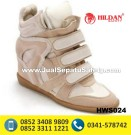 HWS 024 – Pengrajin Sepatu Boots Wanita