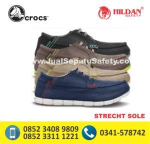 crocs strecht sole lace up